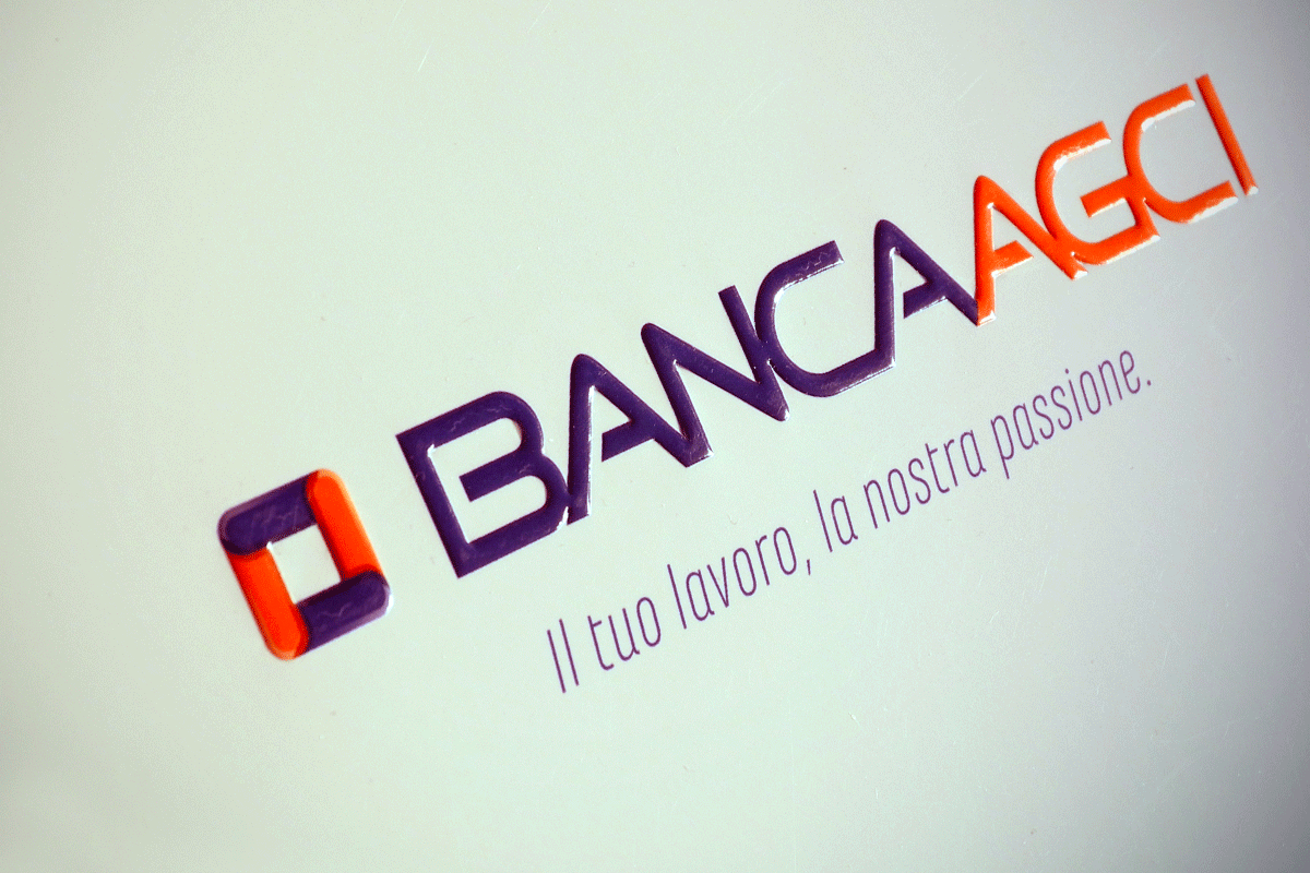 logo-inviti-natale-banca-calendari-borghi-grafica-bologna-minerbio-scrivania